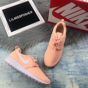 NEW Nike Roshe One GS Women's Sneakers Size 8.5